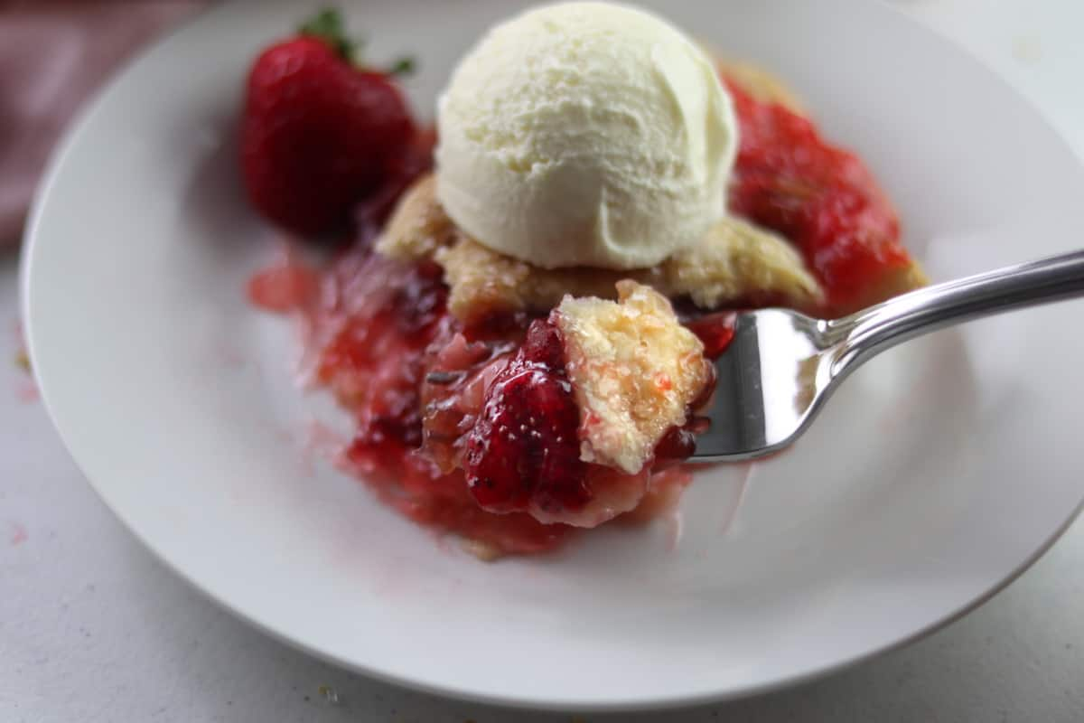 Strawberry Rhubarb Peach Pie