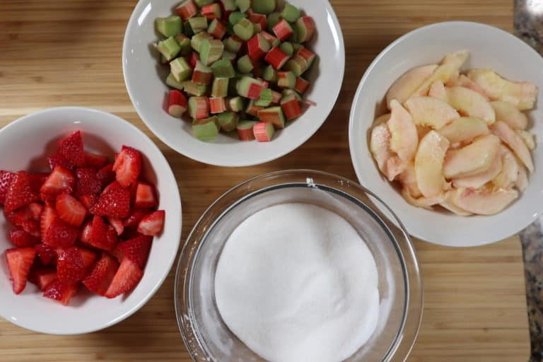 strawberry rhubarb pie ingredients