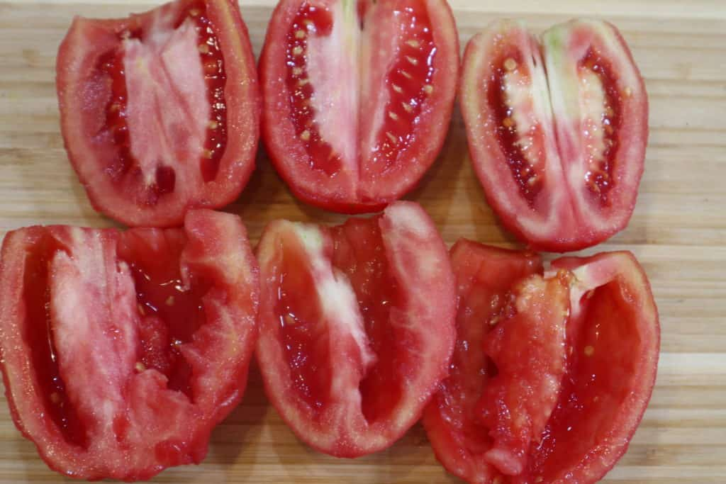 how to remove seeds from a tomatoe