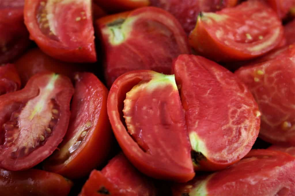 fresh tomatoes cut up