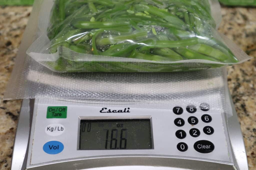 green beans ready to freeze