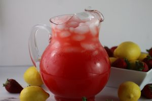 Strawberry Lemonade with Fresh Strawberries