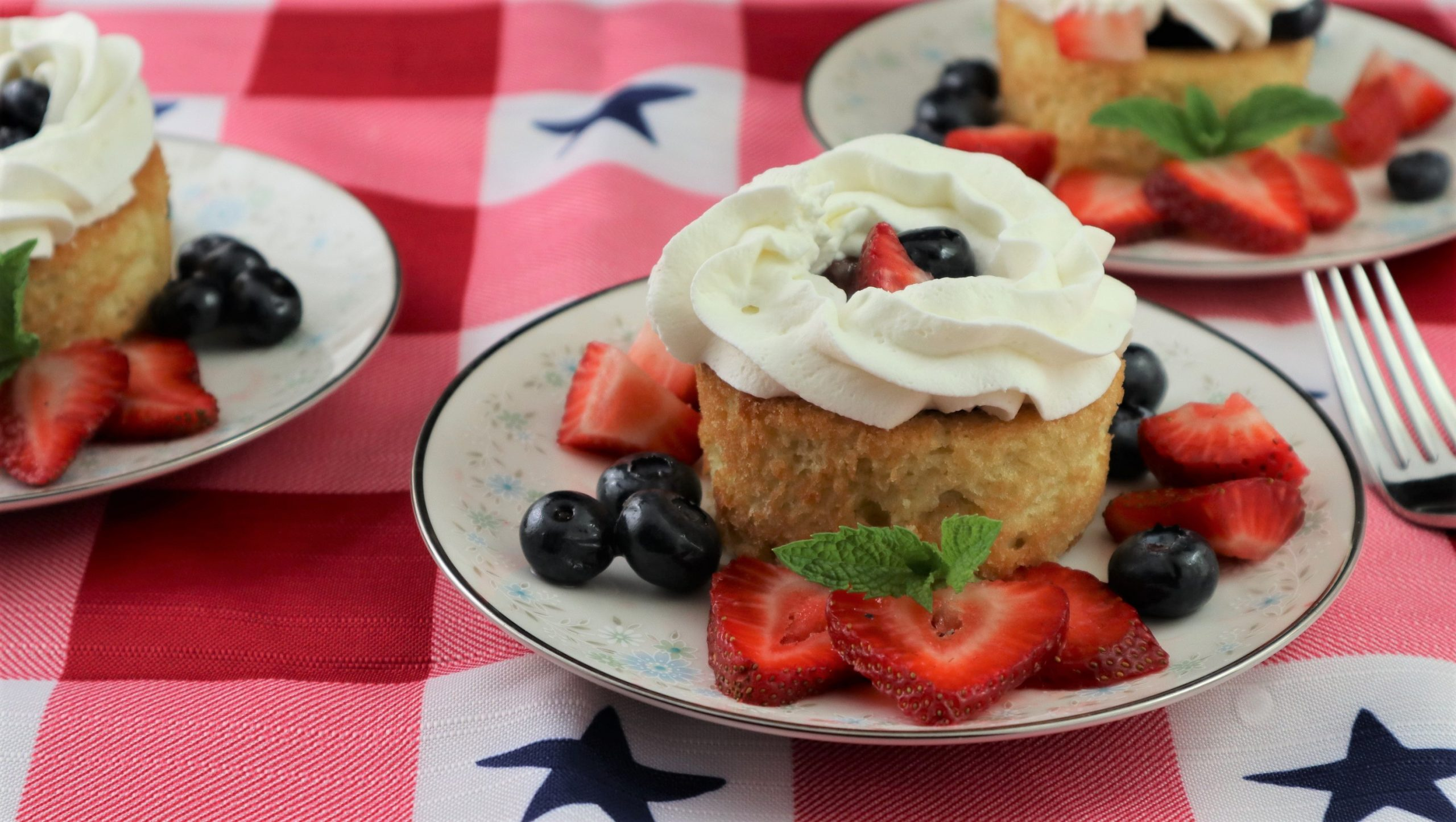 Pound Cake Dessert Bowls, Red, White, and Blue