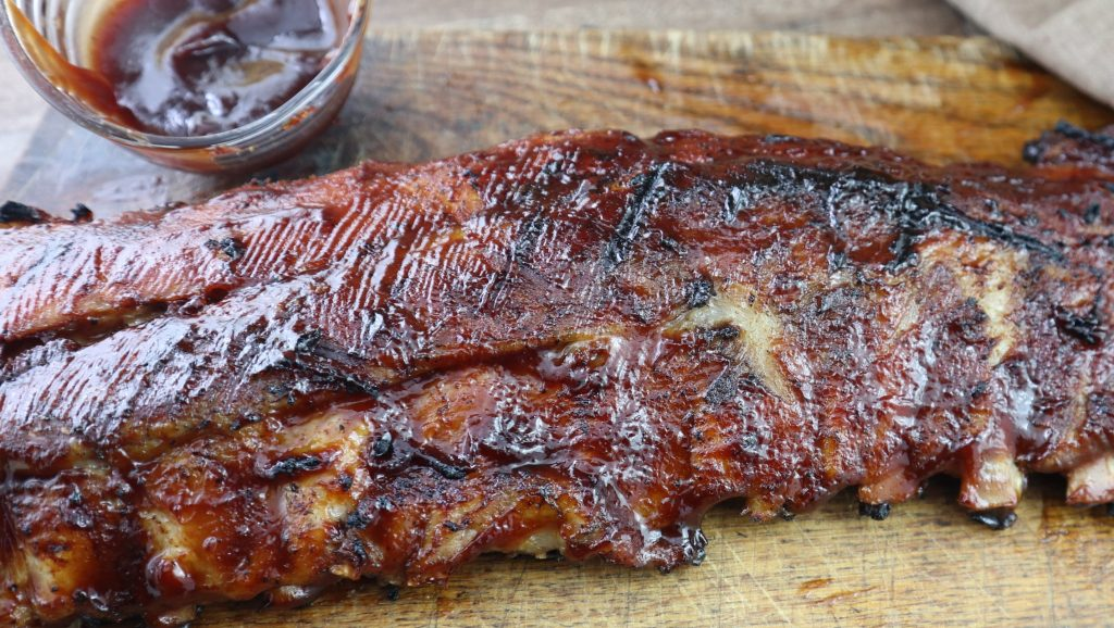 bbq ribs on cutting board