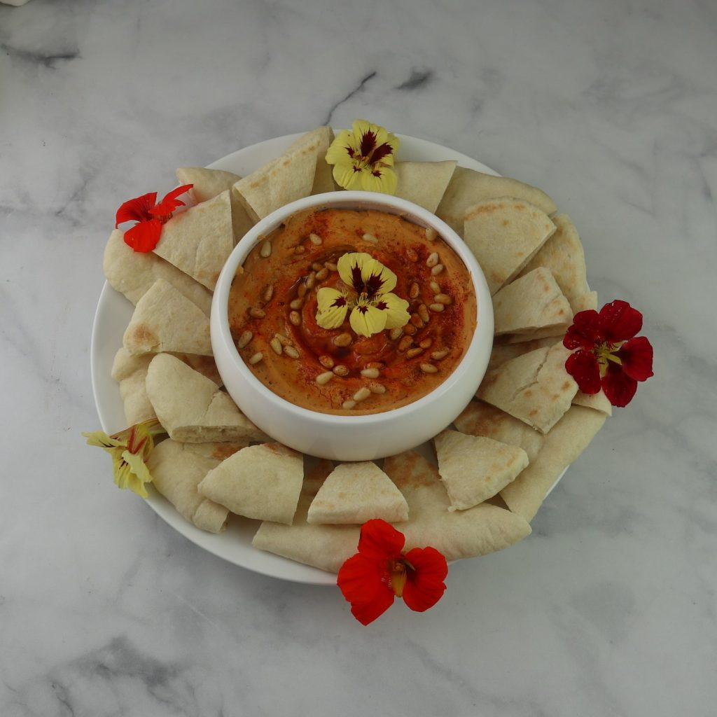 roasted red pepper hummus with pita