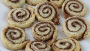 pie crust cinnamon rolls