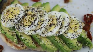 Read more about the article Toasted Naan with Avocado and Egg sandwich.