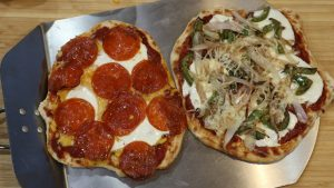 Read more about the article Naan Pizza Recipe with Video