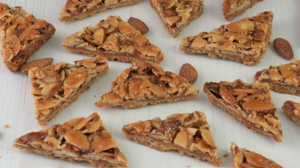 Toasted Almond Shortbread Bars