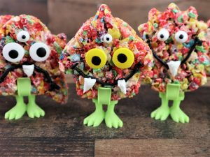 Read more about the article Fruity Cereal Monster Treats