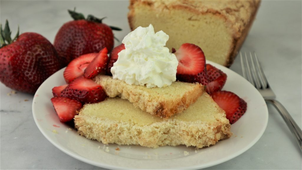 pound cake with lemon streusel, fresh strawberries and whip cream