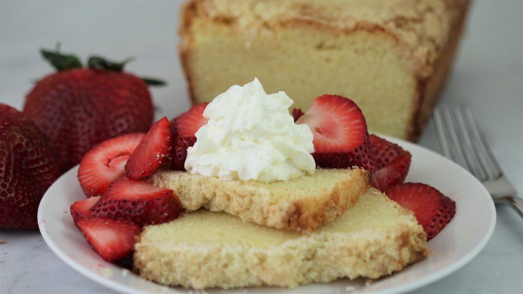 lemon streusel pound cake with fresh strawberries and cream