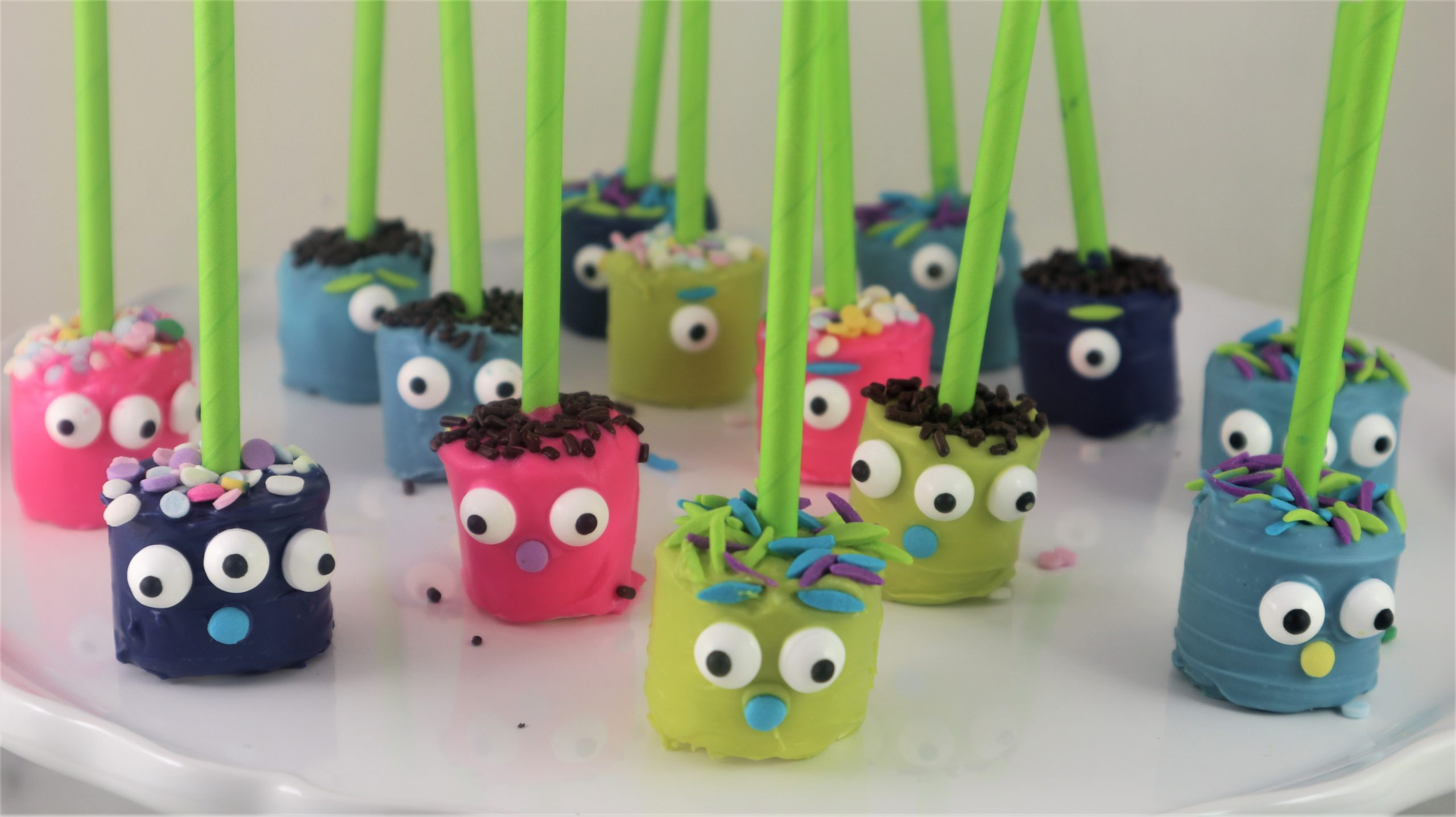 You are currently viewing Monster Marshmallow Pops -Easy