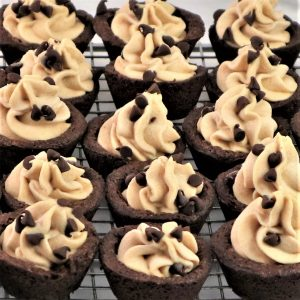 Read more about the article Peanut Butter Mousse Brownie Cups